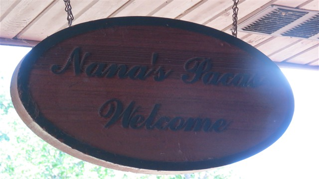 Welcome to Nana's Pacas!